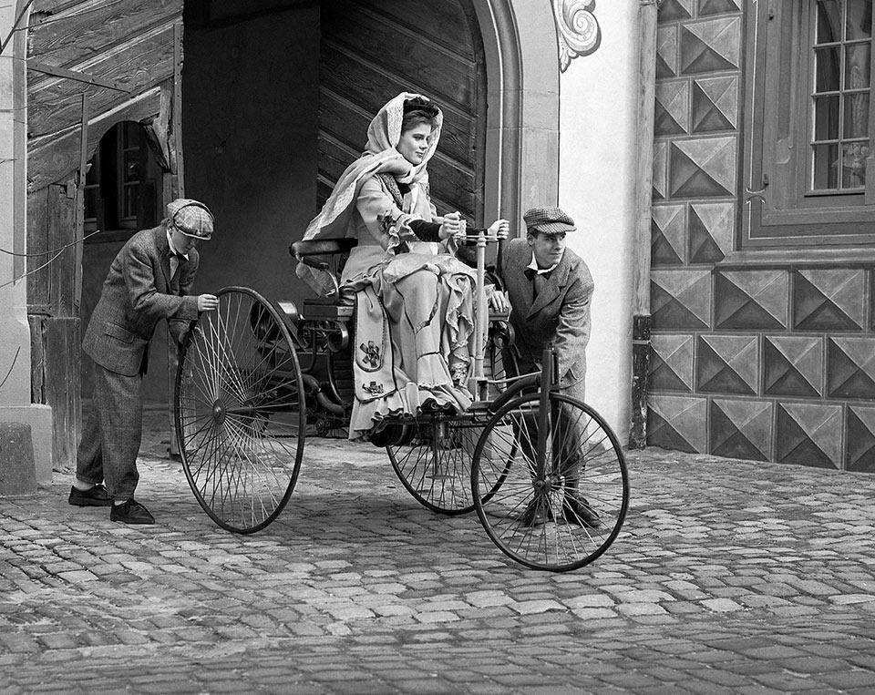 bertha_Benz_Motorwagen.jpg