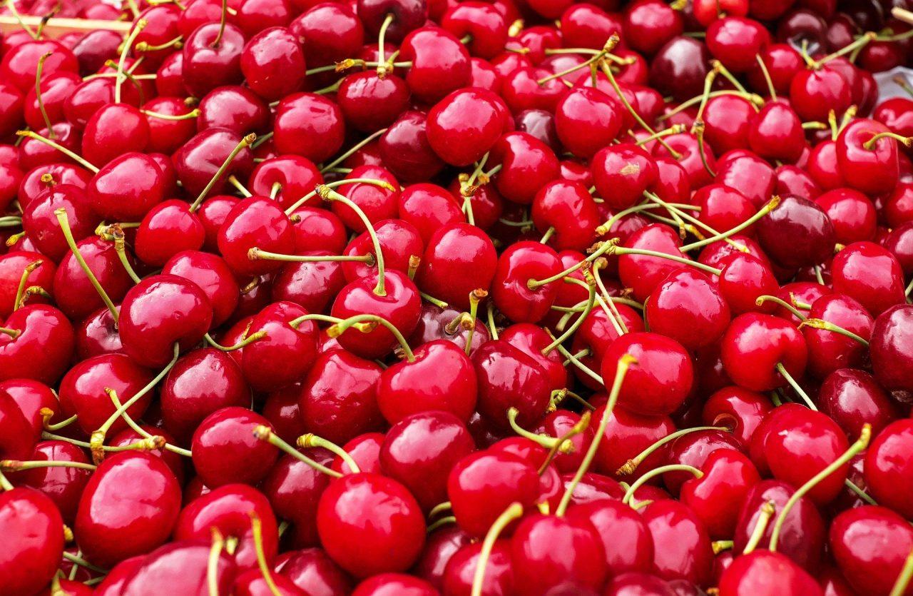 cherries-1465801_1920-1280x835.jpg
